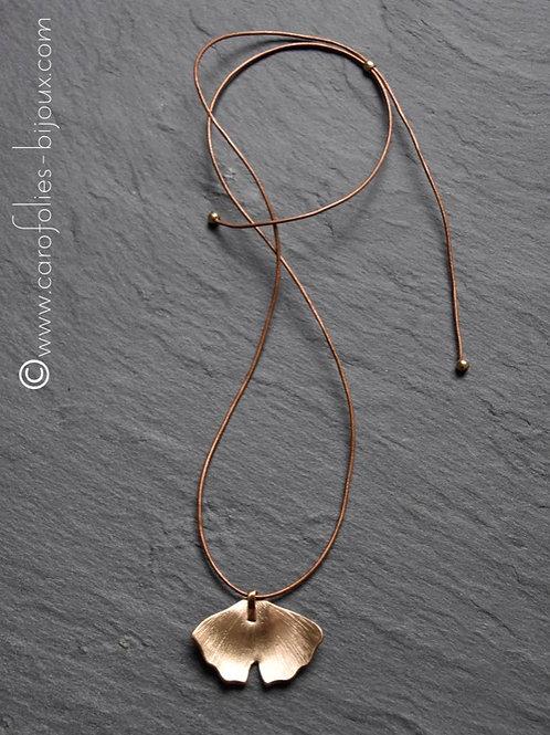 Collier ginkgo moyen modèle en bronze blanc