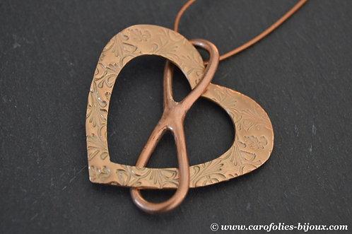 Collier en bronze doré et rose