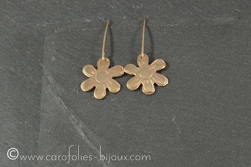 Petites boucles d'oreilles en bronze doré