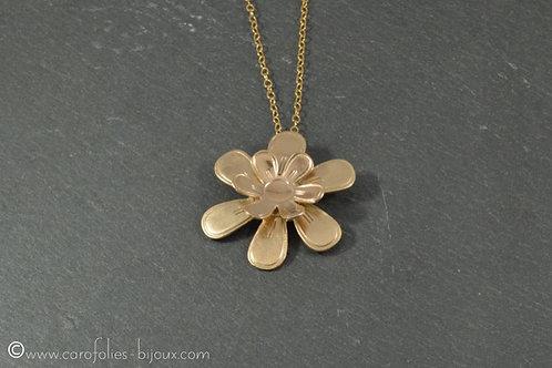 Collier en bronze doré