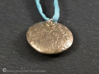 04-cabochon-collier-bronze-blanc-02.jpg