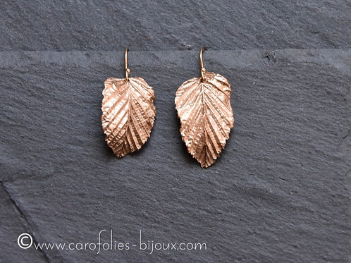 Boucles d'oreilles feuille de charme en bronze doré