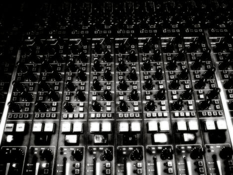 Ty Hoying, synth, electronic music, mixing board