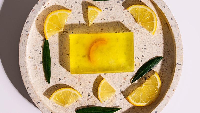 Χειροποίητο Σαπούνι με βιολογικό Λάδι Ελιάς & αιθέριο έλαιο λεμονιού 100gr