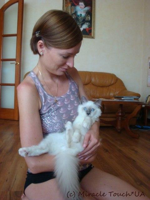 Бьянка дома с хозяйкой Оксаной