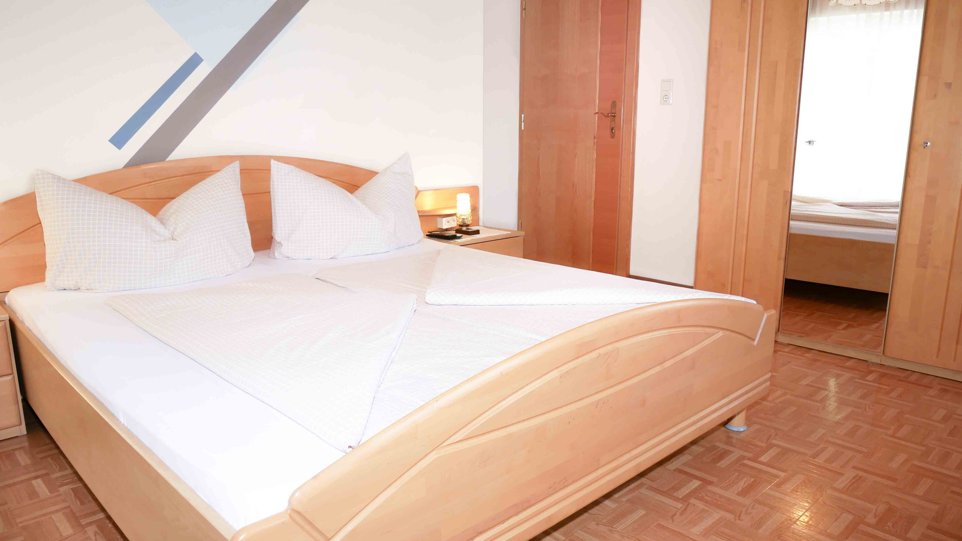 Room1-Zimmer.jpg
