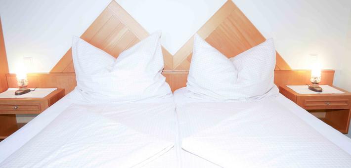 Room3 - Bett