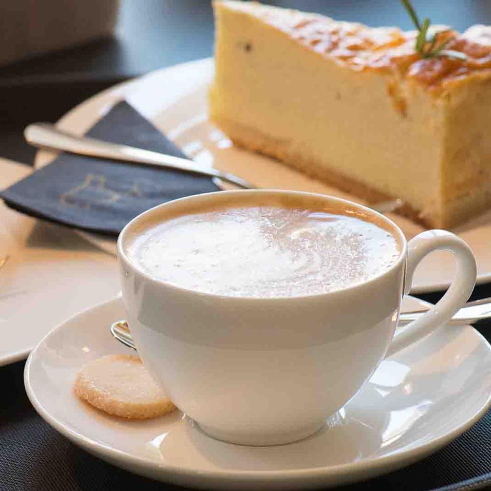 Kaffee und Kuchen.jpg