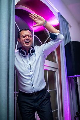 DJ Tomy immer zum besten Preis buchen