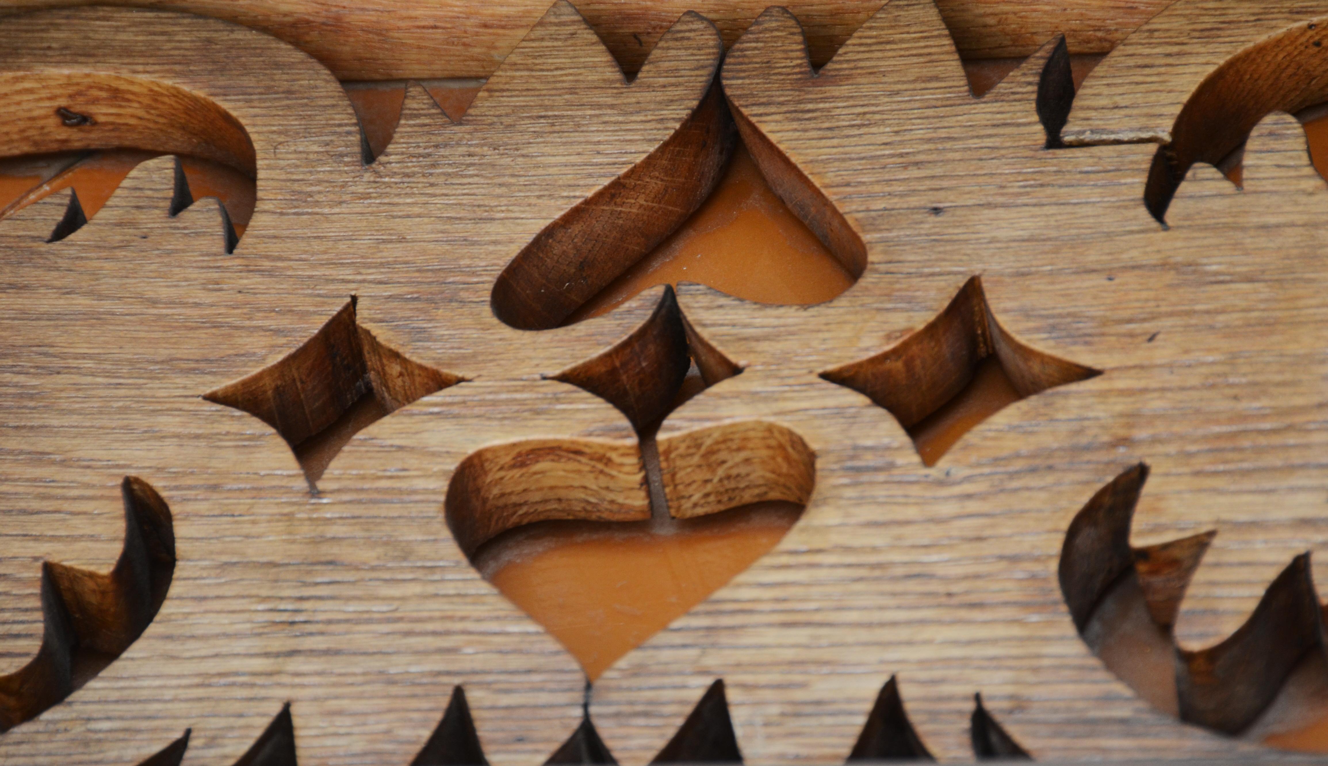 Holzverzierung Haupttüre