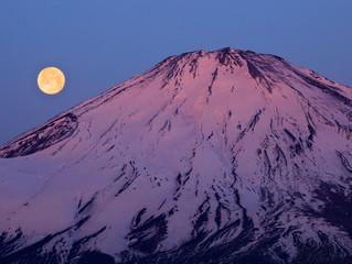 今シーズンの富士山の作品をアップしてます