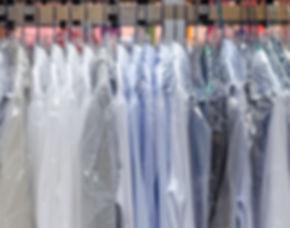 Hemden Reinigung und Bügel Service
