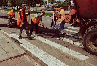 outdoors-working-asphalt-work-community-