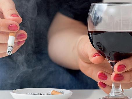 Vinho faz tão mal quanto cigarro?