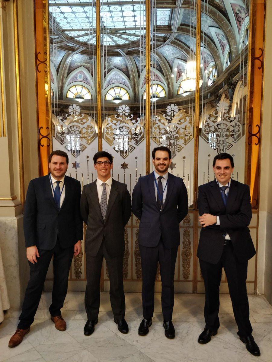 Really proud of our Master MEMFI 's students!  Business School which has participated in 2018 CFA edition have been: ESADE, EADA, Instituto de Empresa (IE), AFI, IEB, CUNEF, ICADE, ESCP, ...  WWW: http://www.eleconomista.es/ecoaula/noticias/8994124/03/18/Esade-revalida-triunfo-en-los-Premios-CFA.html