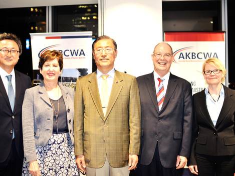 Photos] AKBCWA Cocktail Reception with HE Mr. Baek-Soon Lee Ambassador of the Republic of Korea to A