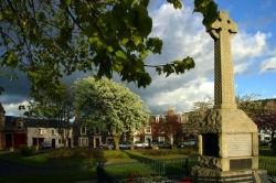 Earlston Square War Memorial.jpg