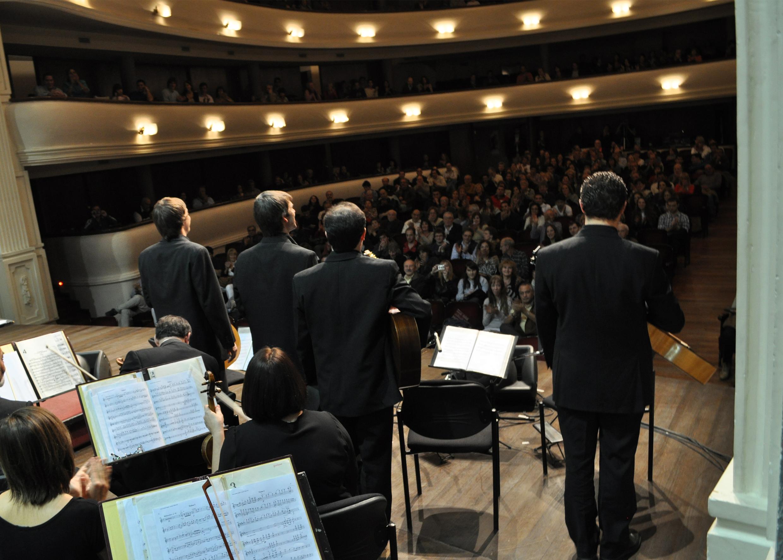 Concierto Junto a la Orquesta Filarmónica de Mendoza en el Teatro Independencia