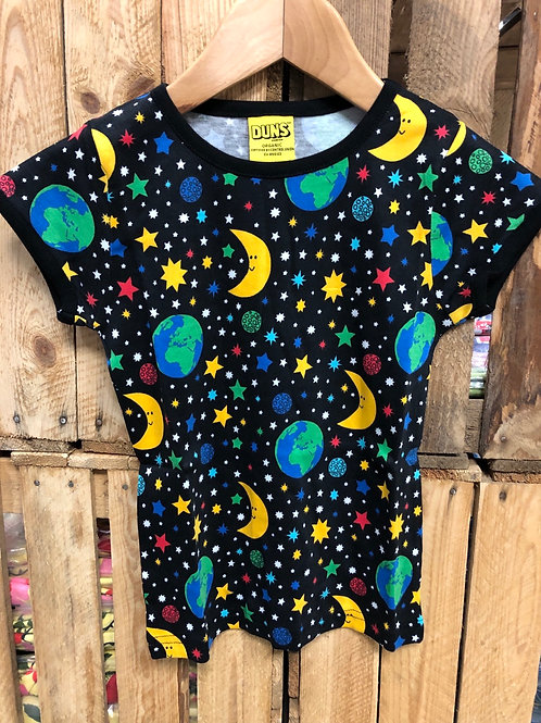 Duns Mother Earth Black Short Sleeved top