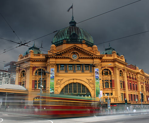 Hustle and Bustle in Melbourne City_edit