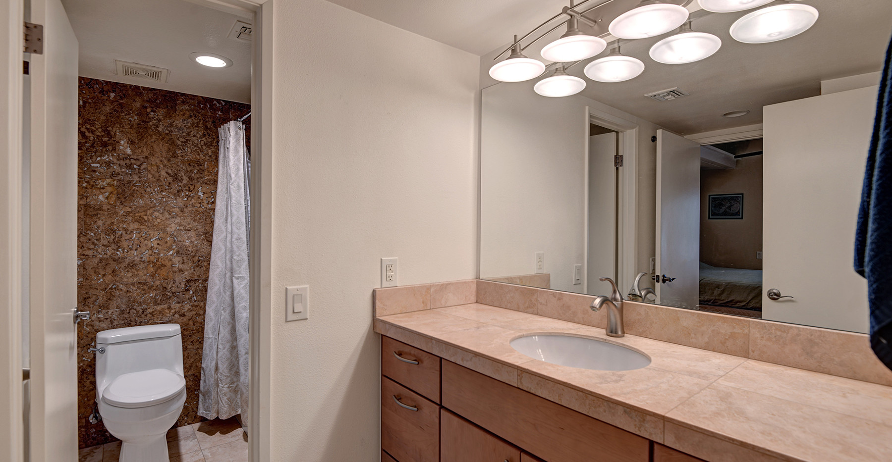 HALL GUEST BATHROOM MLS.jpg