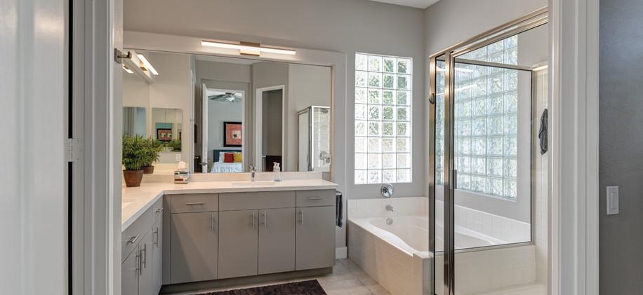 Main-Suite-#1-Bath.jpg