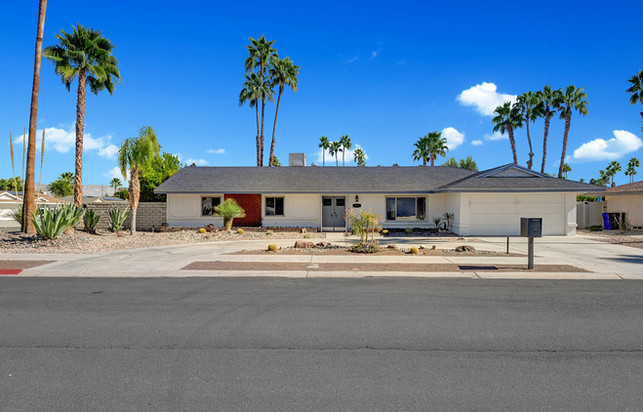 FRONT OF HOUSE MLS.jpg