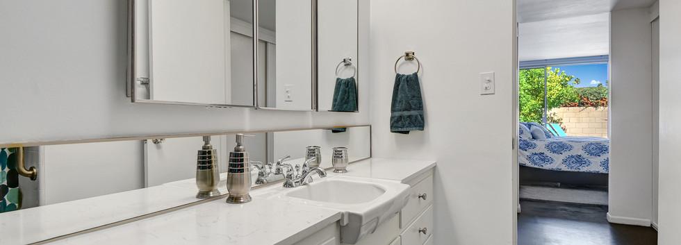 5 Master Bath 1.jpg