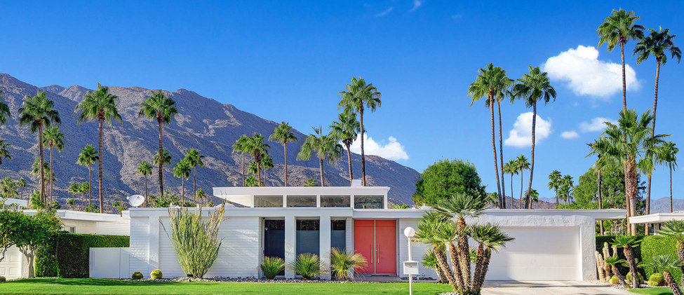 FRONT OF HOUSE TO MOUNTAINS MLS.jpg