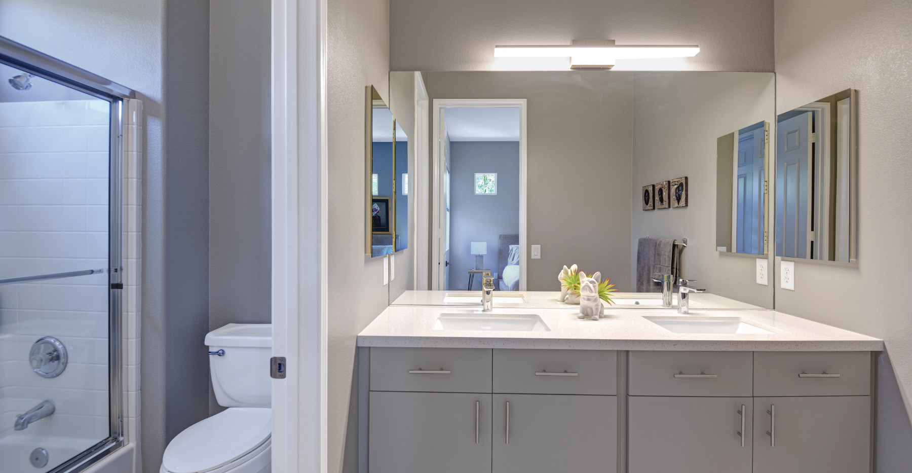 Main-Suite-#2-Bath.jpg