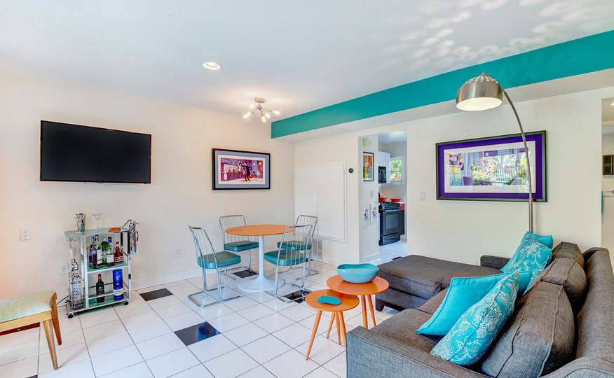 LIVING ROOM MLS.jpg