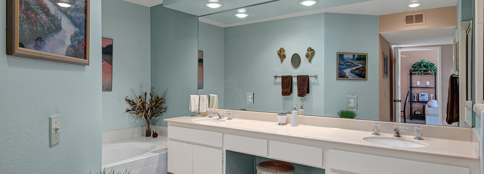 Main Suite Bathroom