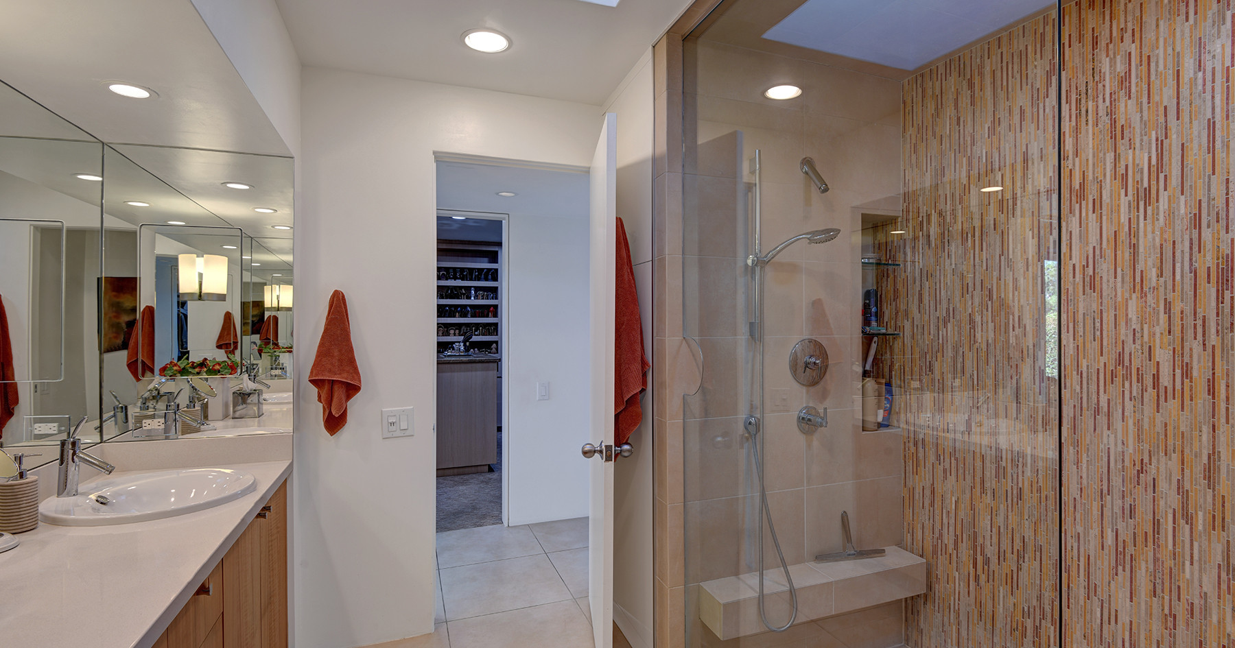 MASTER BATHROOM REVERSE TO WALK IN CLOSE