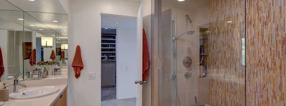 MASTER BATHROOM REVERSE TO WALK IN CLOSE