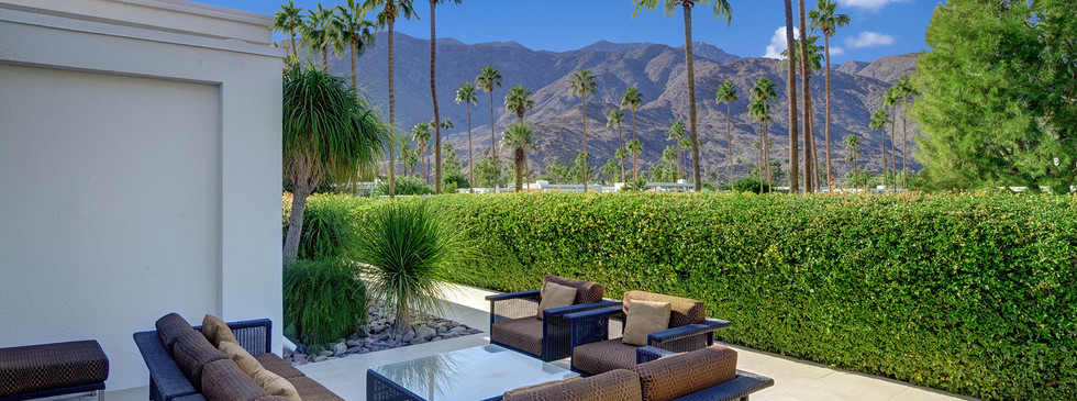 OUTDOOR LIVING ROOM TO MOUNTAIN VIEW MLS