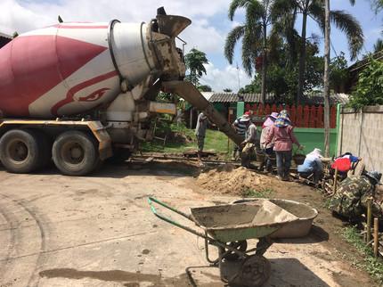โครงการก่อสร้างรางส่งน้ำคอนกรีตเสริมเหล็ก พร้อมฝาปิดตะแกรงเหล็ก บ้านสันบัวบก หมู่ที่ 8