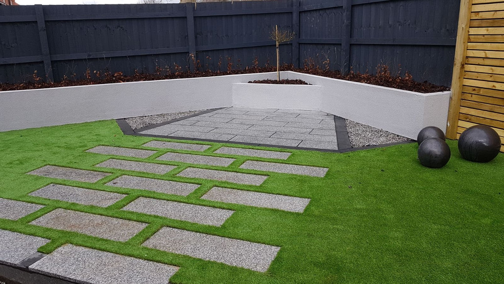 Contemporary garden feature