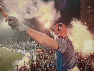 Niebieskie Chachary – Ruch, Ruch CHA-Ka-eS (ocena 9/10)
