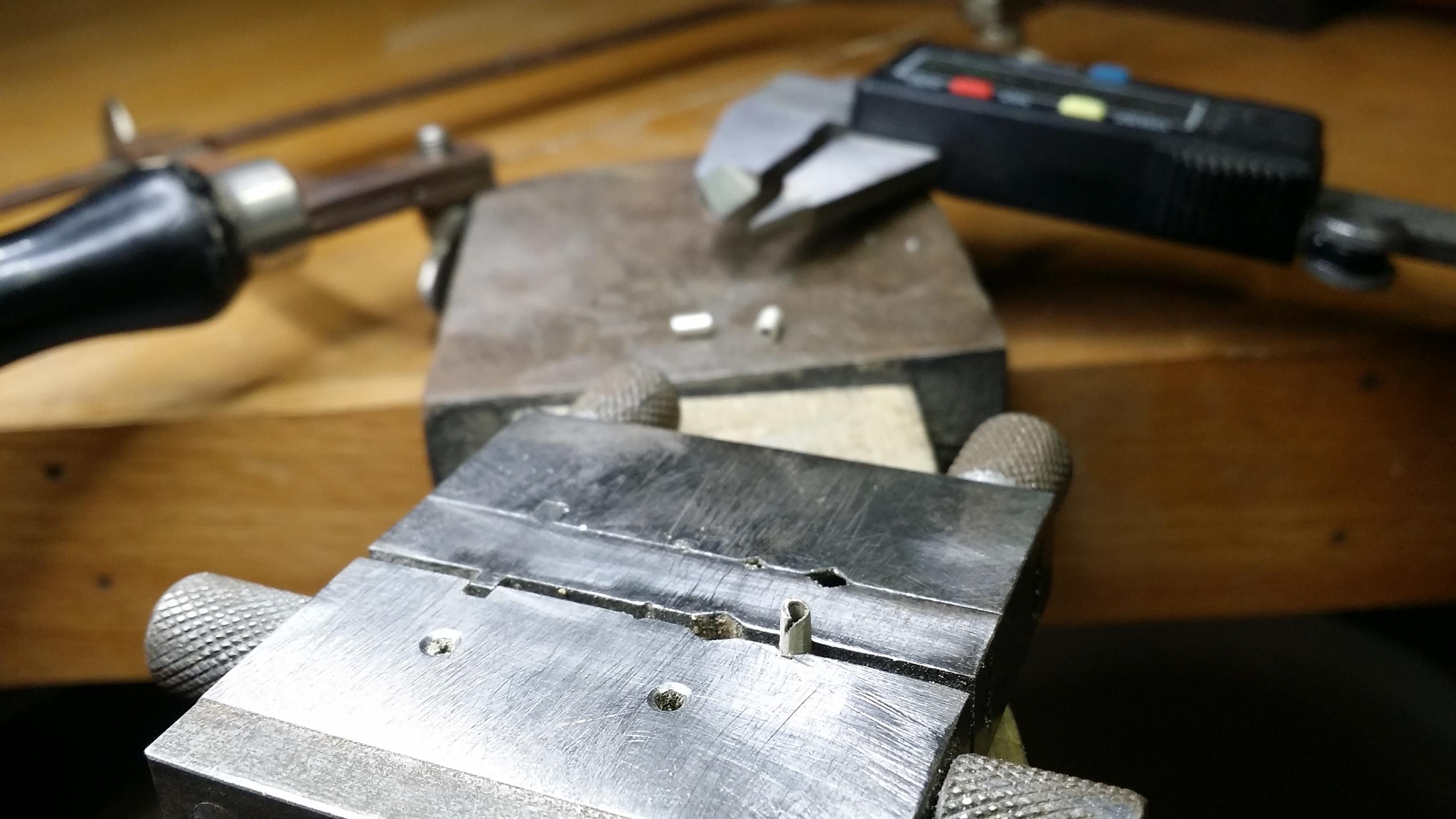 Cutting tubing