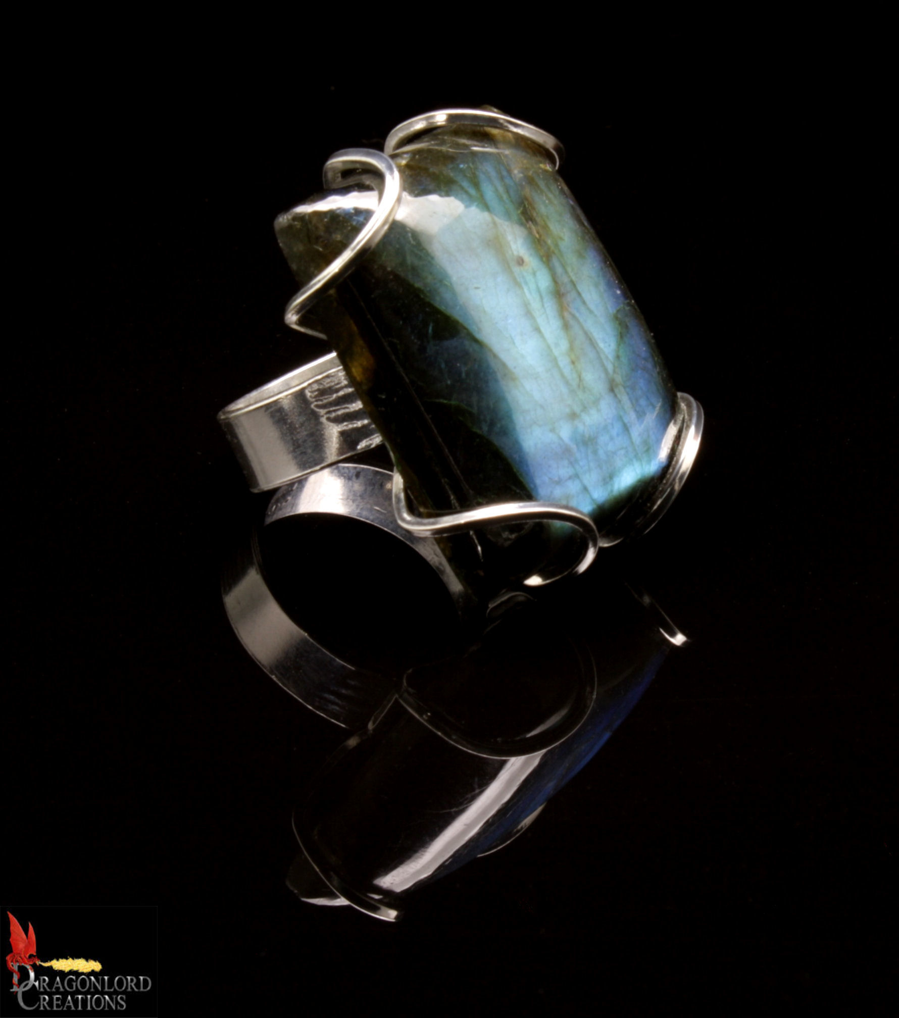 No560b Labradorite Ring