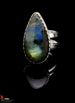 No374b Labradorite Ring