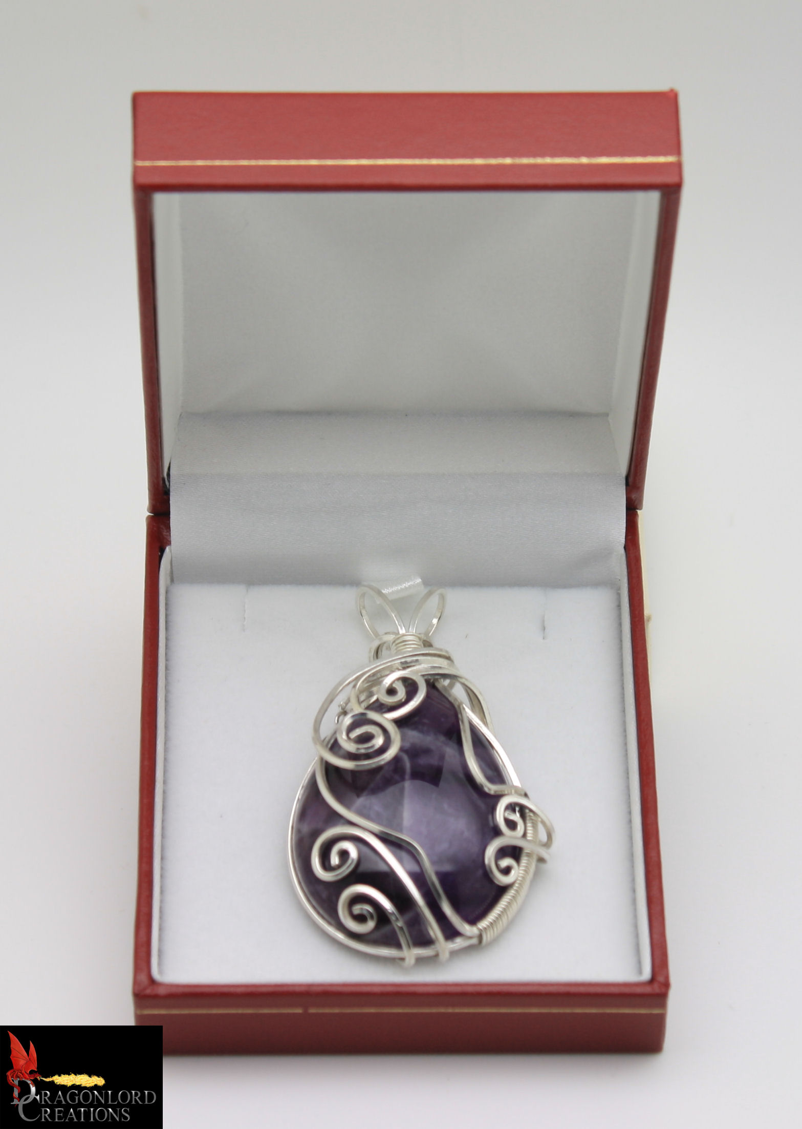 No891b%20Amethyst%20Wire%20Wrap%20Pendan
