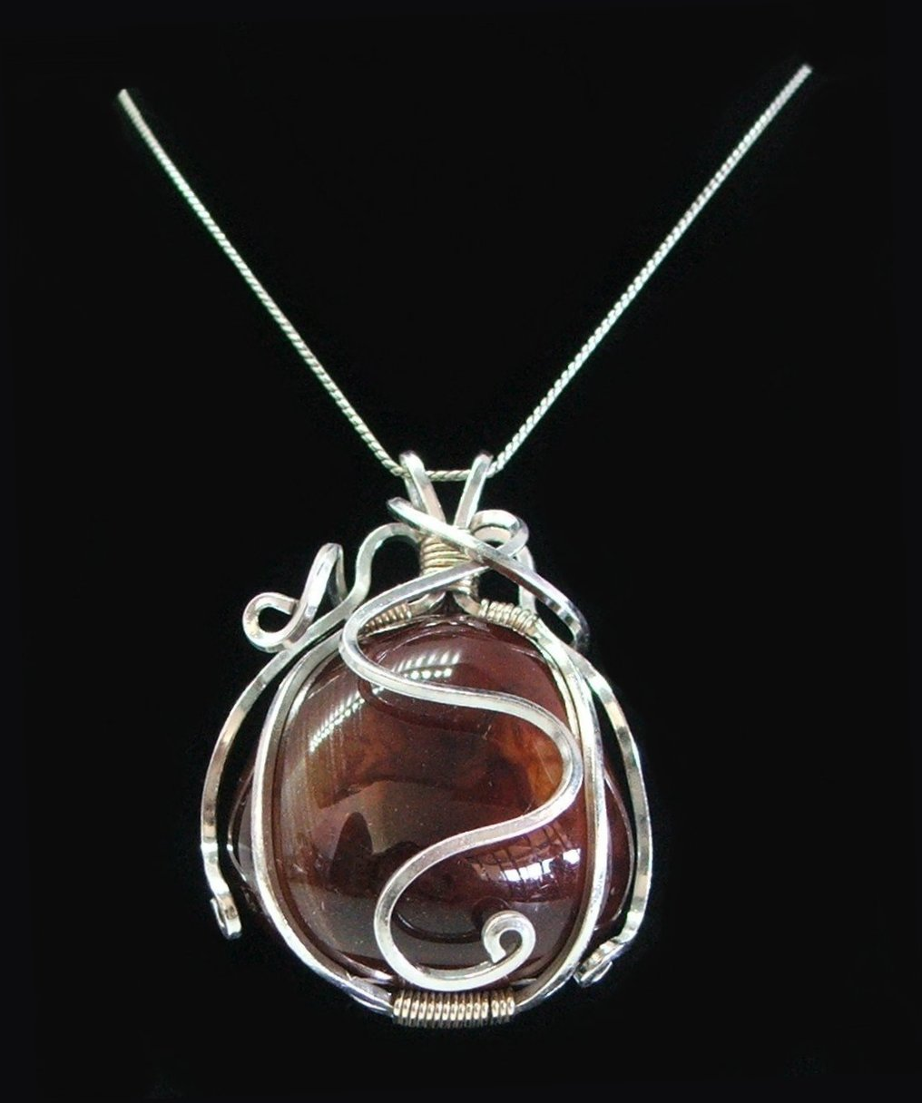 No161+Large+Carnelian+Wire+Wrapped+Penda