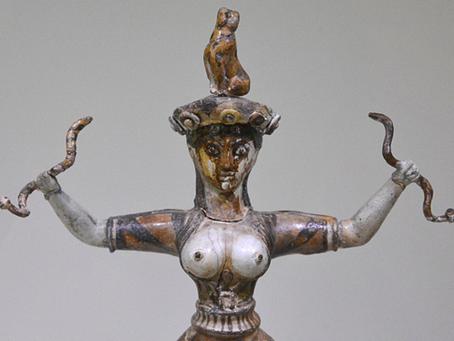 La diosa de las serpientes minoica