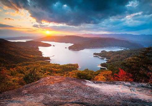 blue-ridge-mountains-sunset-lake-jocasse