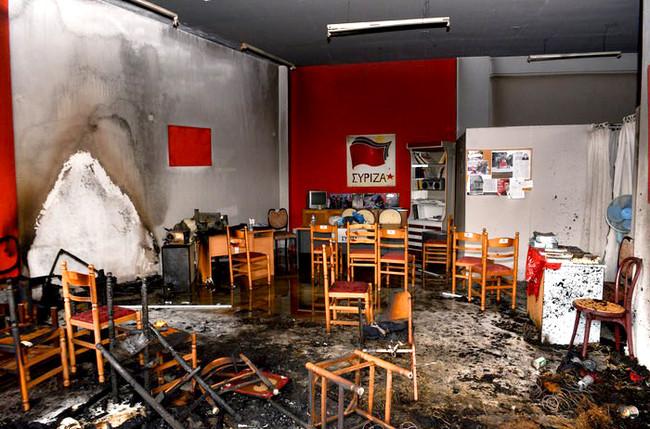 Γκαζάκια και έκρηξη στα γραφεία της Τοπικής Οργάνωσης του ΣΥΡΙΖΑ στο Ίλιον