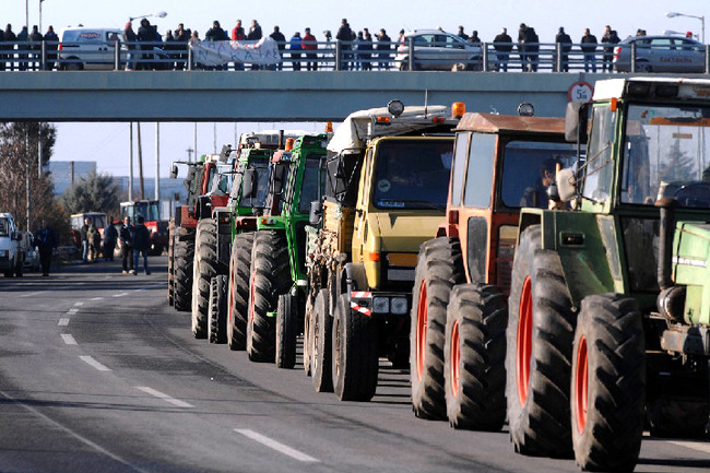 Κλιμακώνονται οι κινητοποιήσεις των Αγροτών - Κλειστή η ΕΟ Θεσσαλονίκης-Ευζώνων