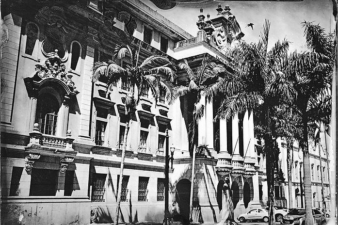 Alex Gimenes e Renan Nakano. Largo de São Francisco [Academia de Direito], 2019 Autal Faculdade de Direito - Universidade de São Paulo.  Negativo de Vidro / Colódio Úmido