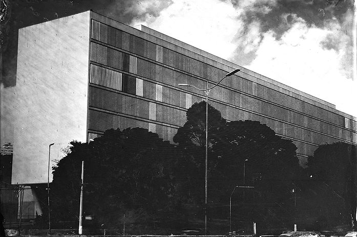 Alex Gimenes e Renan Nakano. Museu de Arte Contemporânea, 2019  Av. Pedro Álvares Cabral, 1301 - Vila Mariana. Negativo de Vidro / Colódio Úmido.