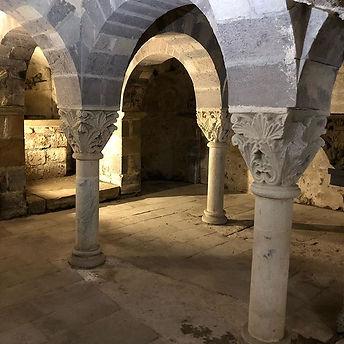 Crypte carolingienne de l'abbaye de Moza